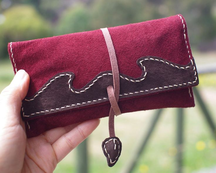 """Thanks for the kind words! ★★★★★ """"The pouch is absolutely beautiful and the craftsmanship is solid. I had a few questions about the delivery and Masae responded quickly and was so nice during the process!  10/10 will definitely buy something from her shop again!"""" Marius B. #etsy #leather #tobacco #pouch #tobaccopouch #tobaccocase #cigarettecase #smoking #rollingtobacco"""