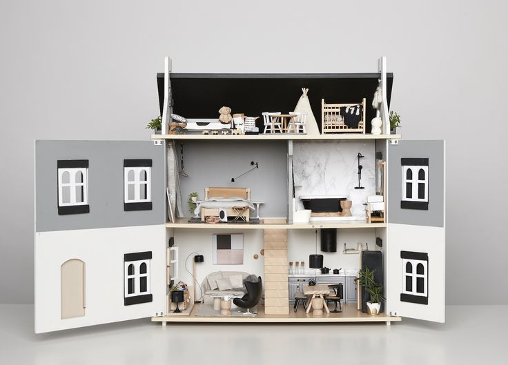A Doll House for Edie | Cassie James Herrick