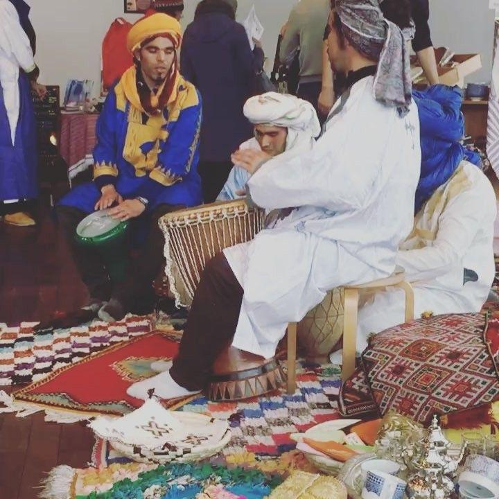 ZOU-SUN-MARCHEモロッコマルシェ  出店しました ずっとこんな感じで横ではタブラ 皆様暖かい方ばかりでしたありがとうございました 開催日時 2018年1月28日日11:0018:00  会場 @象の鼻テラス  入場無料 共催 #象の鼻テラスbamboojoints #kaori#世界を旅するノマドセラピストあまのゆうき 協力出店 #moroccocaravan#moroccoanfamily#moroccotral#textile trip#ラナンレイ#マコトクラフト#Tag me 英利花  他  #横浜イベント #横浜出店 #Morocco #モロッコ #モロッコマルシェ #旅好き #henna #jagua #ヘナタトゥーイベント