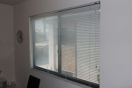 The Best Way To Clean Mini Blinds This Really Works
