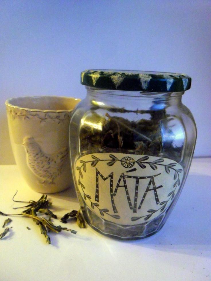 máta sklenice na sušené bylinky - mátu velikost: výška 13 cm, šířka 11cm, sklenice je malovaná vypalovací barvou na sklo