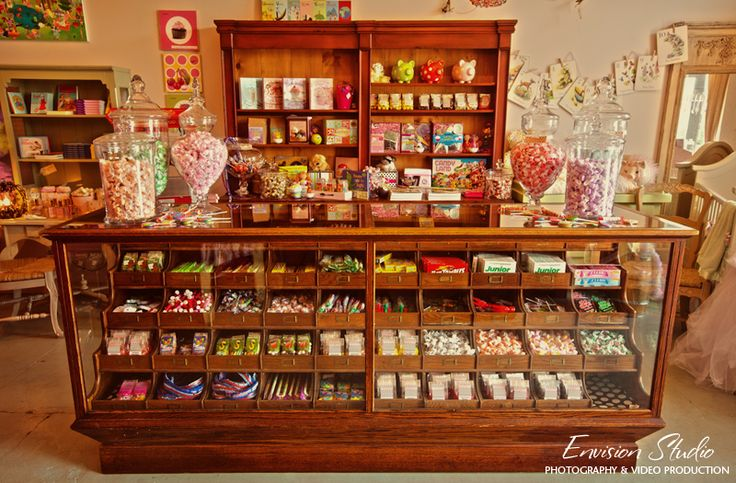 I would love a counter like this in my Candy Craft room to hold all my colorful bits and pieces.