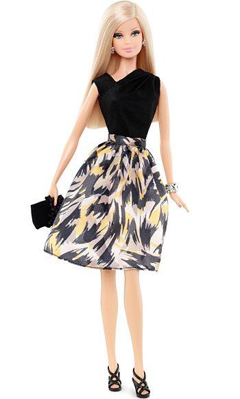 ¡Barbie se deja asesorar por Tim Gunn! Y no le ha ido nada mal. Dos muñecas, dos packs de ropa y complementos… ¡¡irresistible!!