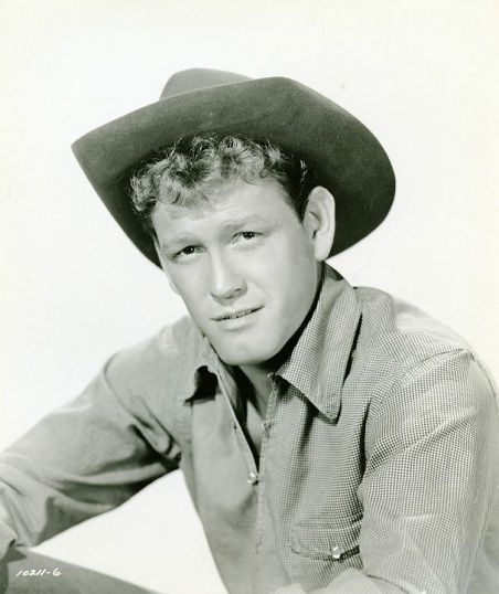 Earl Holliman (born September 11, 1928) is an American actor.
