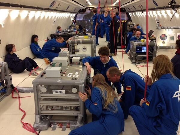 36 parabolas with better #zeroG quality than yesterday. PIs discuss data and experiment performance soon, debriefing.