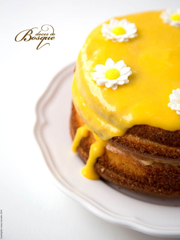 Bolo de Baunilha com Creme de Limão • Vanilla Cake with Lemon Cream | Doces do Bosque