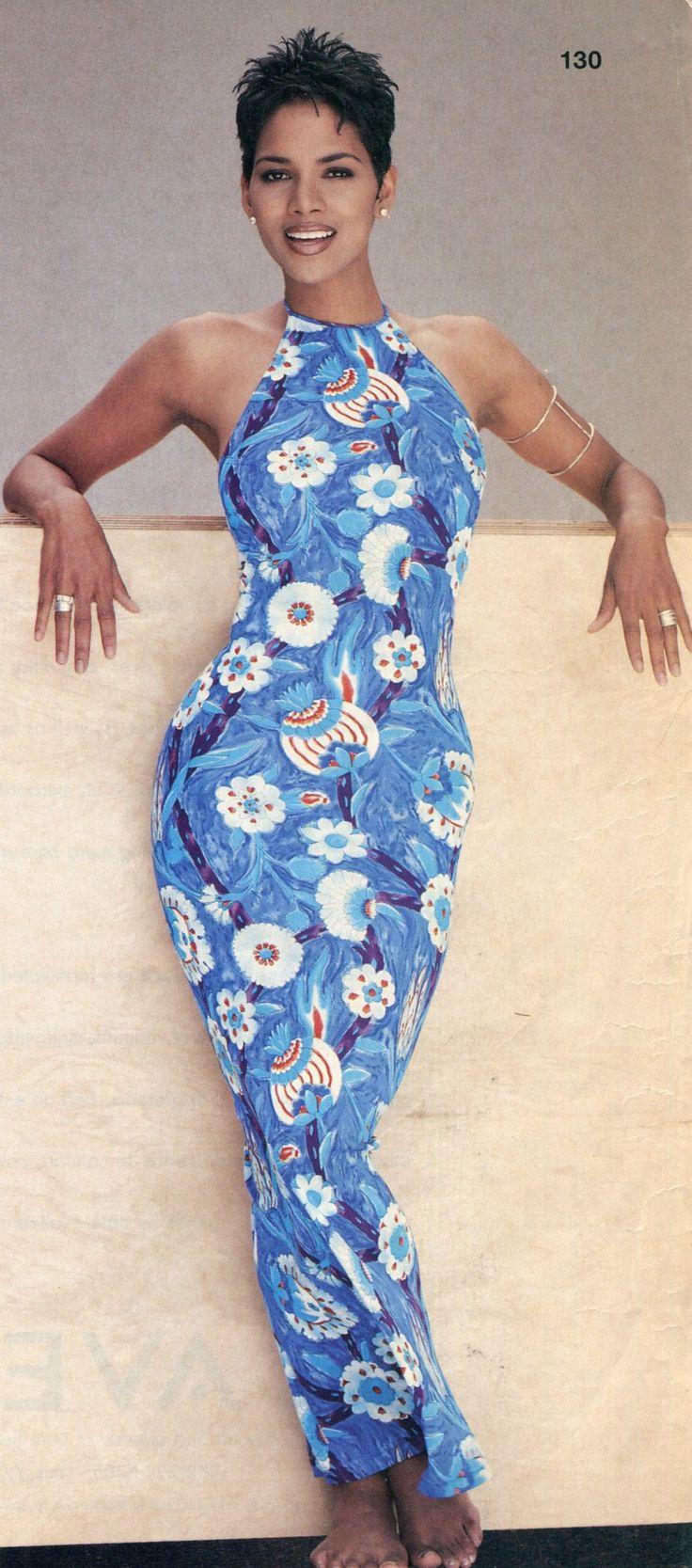 Pixie cut - Halle Berry
