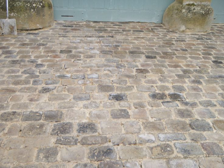 Driveway reclaimed cobbles