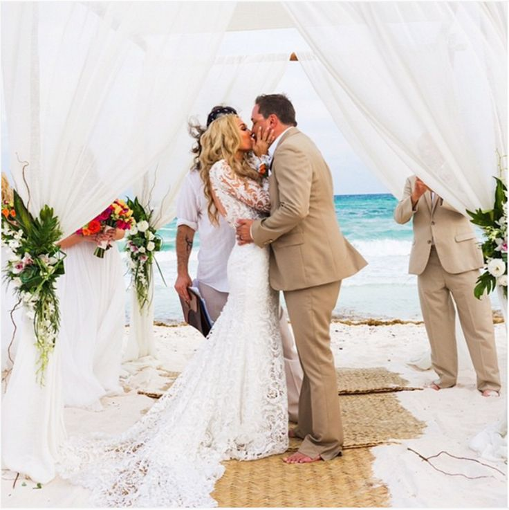 d74776f5311678b28aea362e594a5452  beach wedding attire beach weddings - celebrity beach wedding