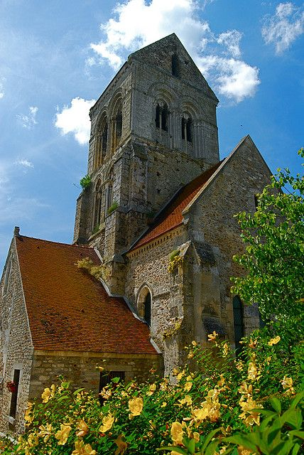 Roman Church in Champagne, France / photo by Vincent Brassinne