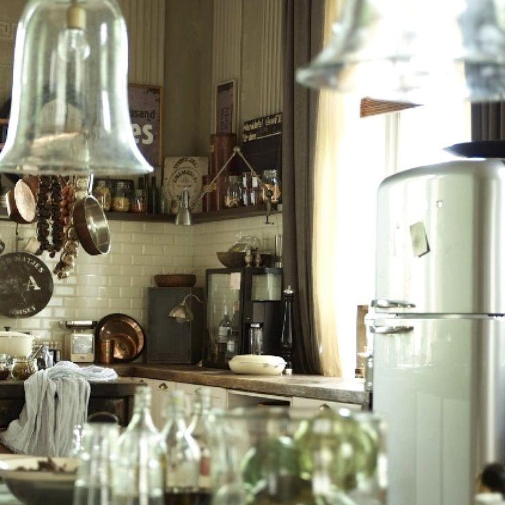 1000 ideen zu retro k hlschrank auf pinterest vintage k chen retro k chenger te und retrok chen. Black Bedroom Furniture Sets. Home Design Ideas