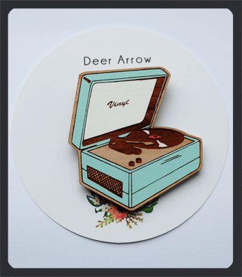 Deer-Arrow-Blue-Record-Player