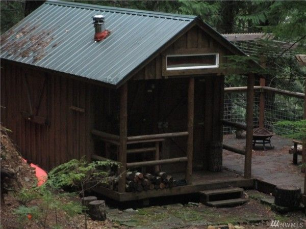 Tiny Cabins on 5 Acres For Sale 001