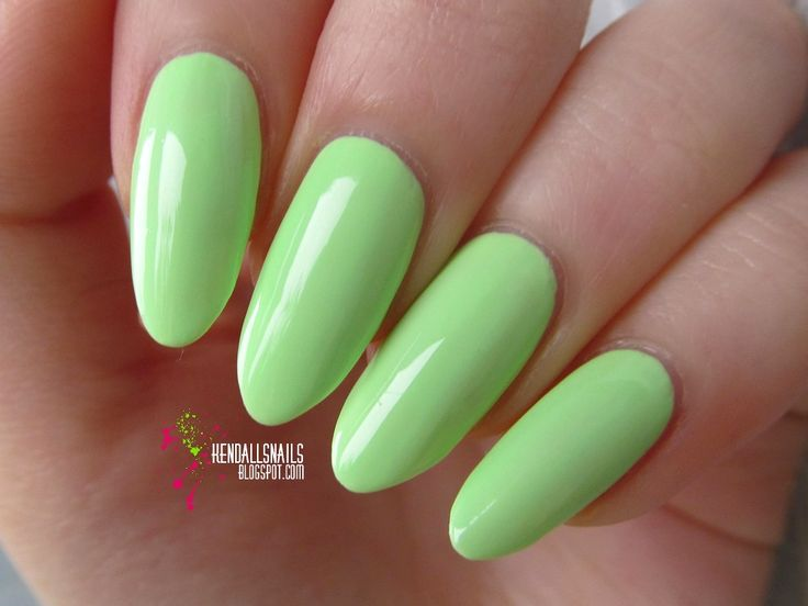 """World Of Colors: Claire's - """"White neons"""""""