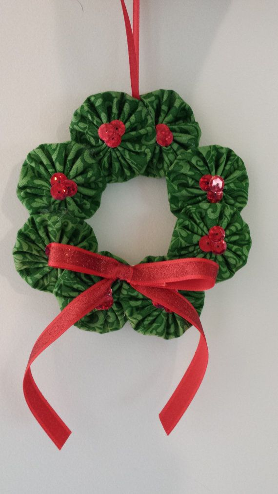 Fabric Yoyo Ornament Wreath