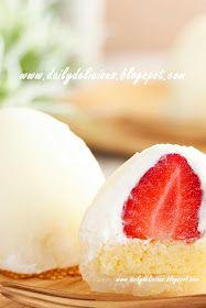 dailydelicious: Youki Ichigo 雪苺娘(ゆきいちご): Strawberry and cream Daifuku (using 白玉粉)