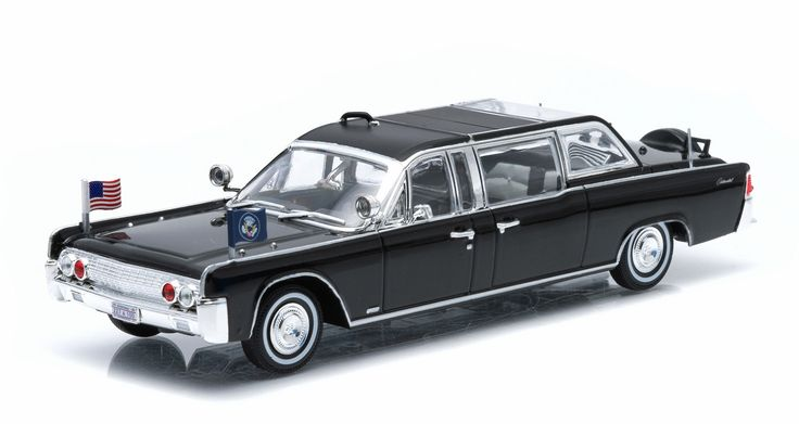 Presidential Limos Series 1 - 1961+ Lincoln Continental SS-100-X John F Kennedy by Greenlight