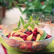 Salade de melon, fruits rouges et sirop de verveine - une recette Fruit - Cuisine