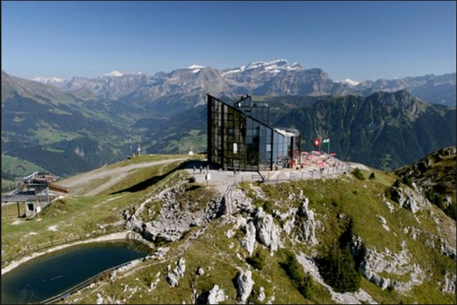 The Kuklos-Leipzig restaurant in Switzerland, completes one turn every hour and a half; so guests can admire both the Eiger north face and Mont Blanc from their seat.