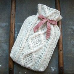 Knit this cosy cable hot water bottle over in time for winter! freebie: just stunning, thanks so xox