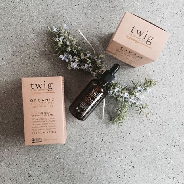 Twig Skin+Body twigskinandbody.com Organic Beauty Oil is just what you need for smooth, plump and hydrated skin. Apply before bed for an enviable morning complexion. A few little reasons you will love it: 1) Organic Camellia Oil has a high antioxidant content to protect the skin from free radical damage 2) The essential fatty acids in Organic Rosehip Oil help to regenerate skin cells and repair damaged skin tissue 3) Vitamin E hydrates the skin to leave it soft and supple