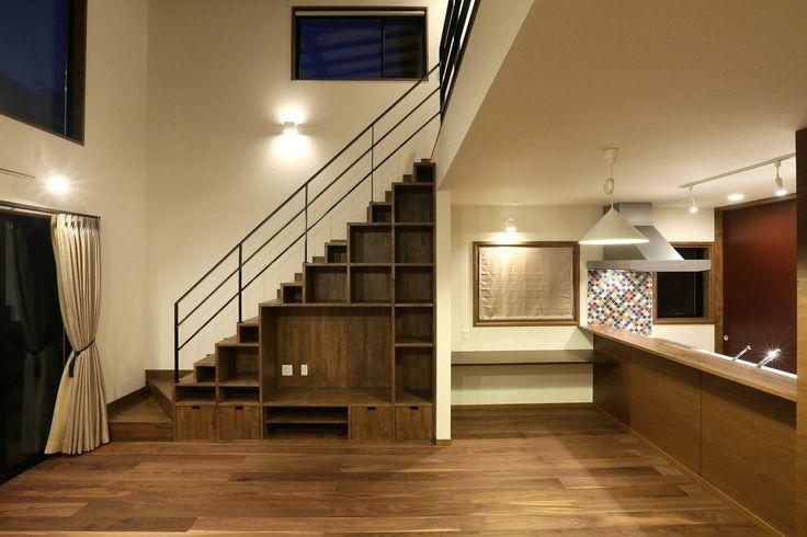 専門家:が手掛けた、階段下-テレビボードと造作棚(K's residence)の詳細ページ。新築戸建、リフォーム、リノベーションの事例多数、SUVACO(スバコ)