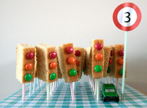 Cake traffic lights