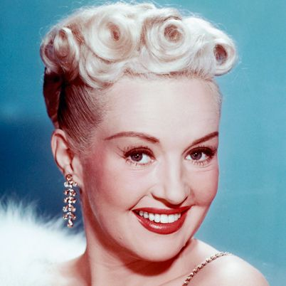 betty Grable small Victory roll updo