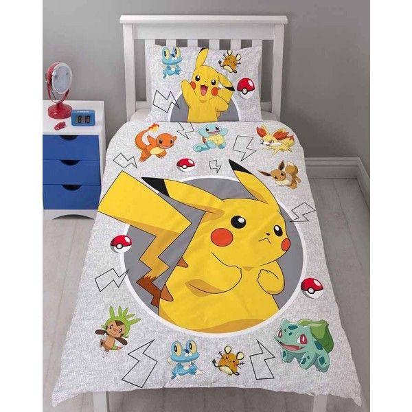 Pokemon Go sengetøj med Pikachu, Evee, Charmander, Balbursaur og Pokeballs
