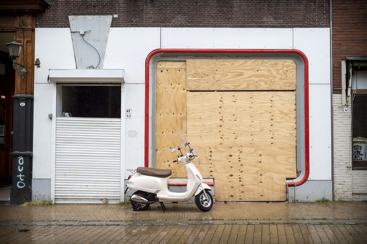 Troosteloze, dichte winkelpuien - In beeld