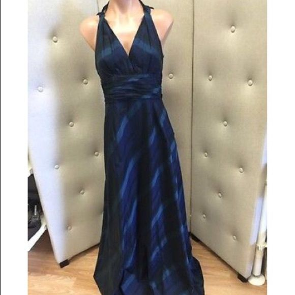 David Meister long dress Brand: David Meister Size: 4 Material: Taffeta Measurements Bust: 30 Waist:38  Length:58 David Meister Dresses