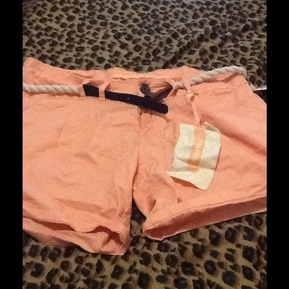 Peach shorts brand new Cute belted shorts highway jeans  Other
