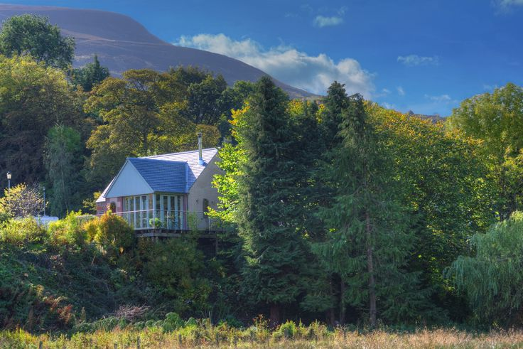 Boutique country cottage set in the picturesque Scottish Borders. Glorious views in any season.