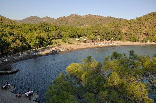 Fethiye Gölcek karayolu üzerinde yer alan Günlüklü Koyu, hem doğa hemde denizle birlikte tatilini geçirmek isteyenler için oldukça ideal... #Maximiles #Turkey #Türkiye #deniz #plaj #denizmanzarası #gezilecekyerler #gidilecekyerler #koylar #plajlar #doğa #doğamanzarası #doğamanzaraları
