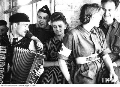 Huge Collection Of The Warsaw Uprising Photos 18  Page 3 of 3  Best of Web Shrine