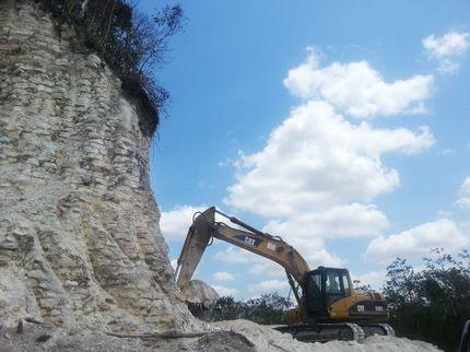 Destruyen importante pirámide maya de Belice