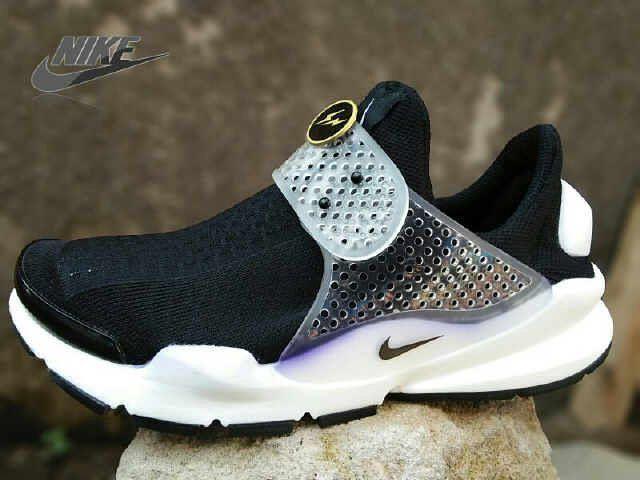 OPEN ORDER   Sepatu - Nike Buat Pria   Nama Produk - Nike Presto  Man  Kualitas - Import   Made In Vietnam   _________________________________  Size : 40-43 - Box   Idr : 310.000 NET  Belum Termasuk Ongkir _________________________________   Contact pemesanan bisa langsung add contact di bio !!!  _________________________________  Untuk lihat koleksi nike lainnya gunakan kata kunci hastag #fajar_nike  #nikefree #nikeairmaxthea #nikefreerun #justdoit #shoes #nikefree5 #fitness #nikerunning…