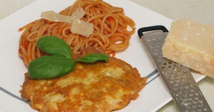 Piccata Milanese - Mailänder Schnitzel in Parmesanhülle mit Spaghetti in Tomatensoße