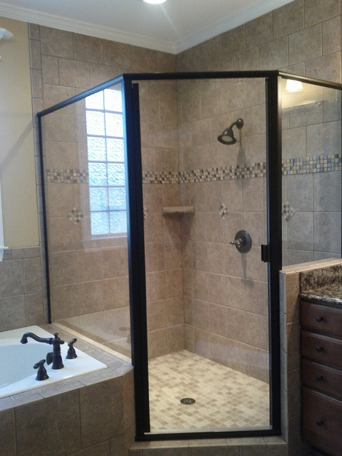 Large Corner Shower By Faynewhomes Via Flickr New Home Trends Pinterest Showers Layout