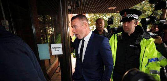 Wayne Rooney Mabuk Akibatnya Gaji Dipotong