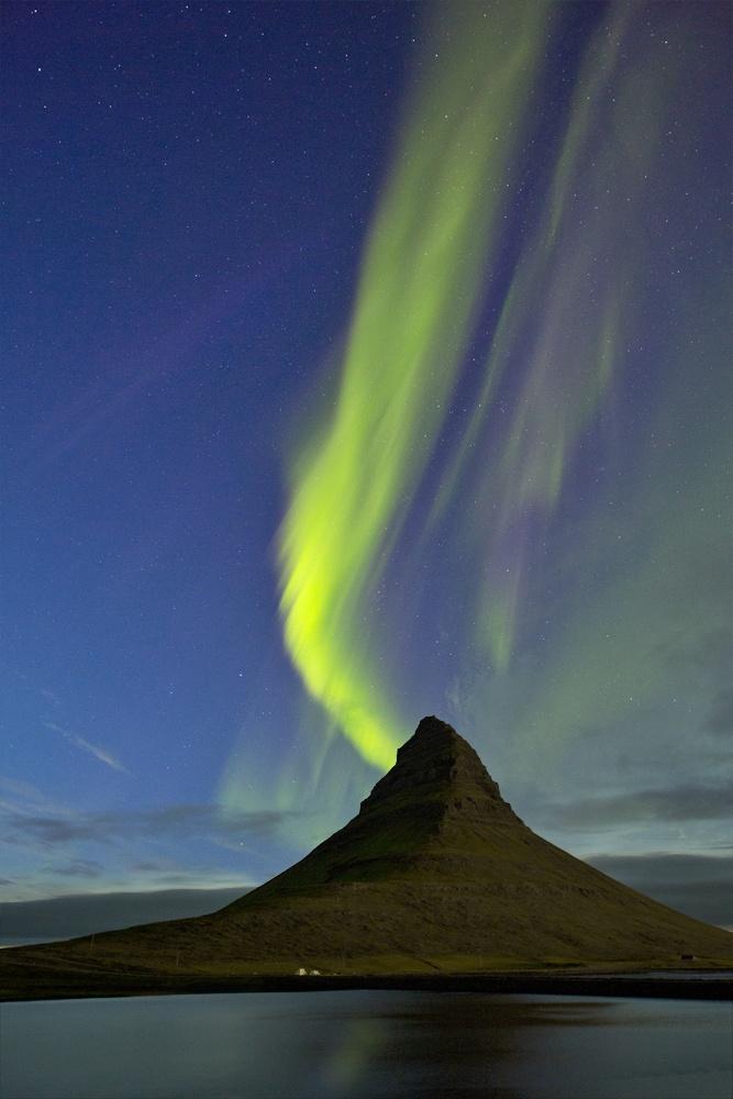 Auroras boreales en Islandia.-