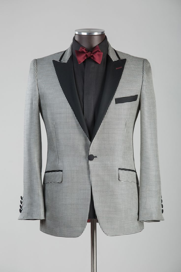Silk and wool houndstooth tuxedo jacket. Bold and efficient. #bespokenov #tux #blackandwhite #houndstooth