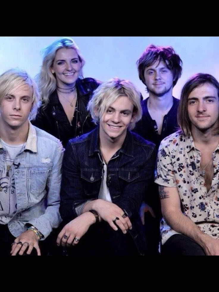 I just had to share this one because they look so happy. Besides Riker cause he is doing a serious face.