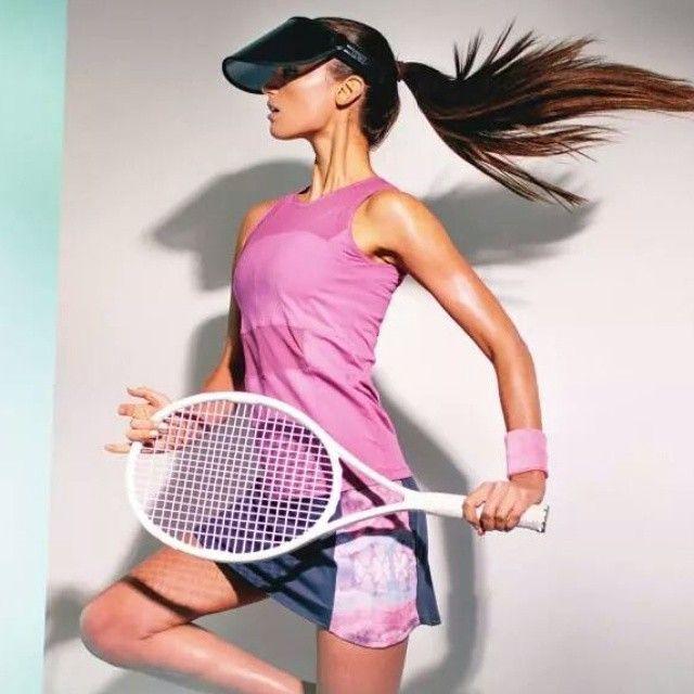 Haced un ejercicio de imaginación y cambiad la raqueta x la pala #padel  Yo es q me veo.... @lijastyledotcom