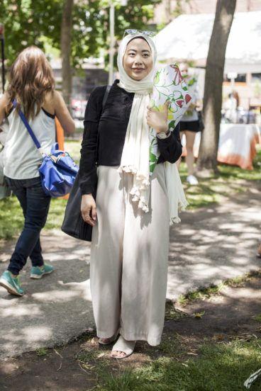 Street Style: Toronto Flower Market on Queen West