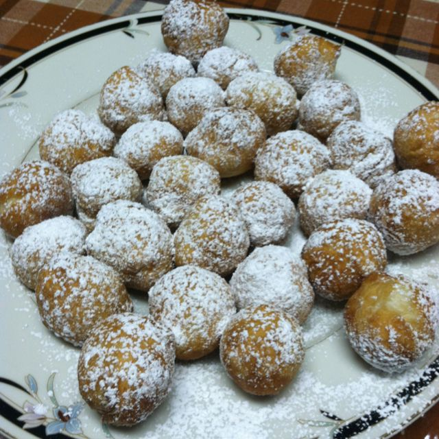 The best italian desert ever. Zepolis. Fried dough covered in powdered sugar. Nuff said
