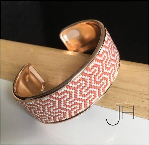 Bracelet manchette sur jonc de laiton couleur OR ROSE /