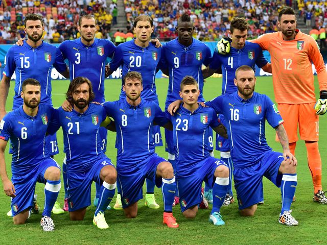 italy soccer team 2014 | Member of Italy's national football team pose for team photo during a ...
