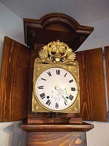 Oltre 25 fantastiche idee su horloge comtoise su pinterest l horloge pendule horloge e une for Pendule contemporaine