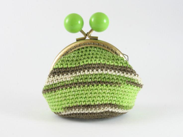 portamonete verde sfumato di Un Cesto di Gomitoli su DaWanda.com